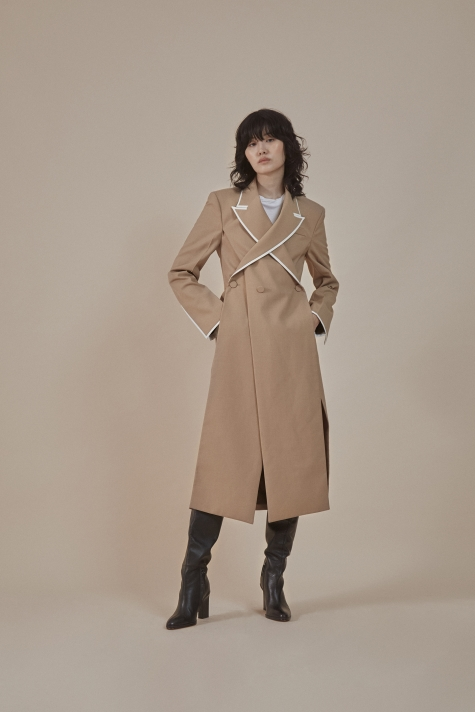 Overlapped lapel collar tailored coat