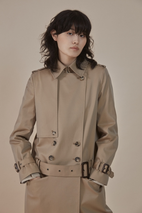 Low-rise trousers trench coat