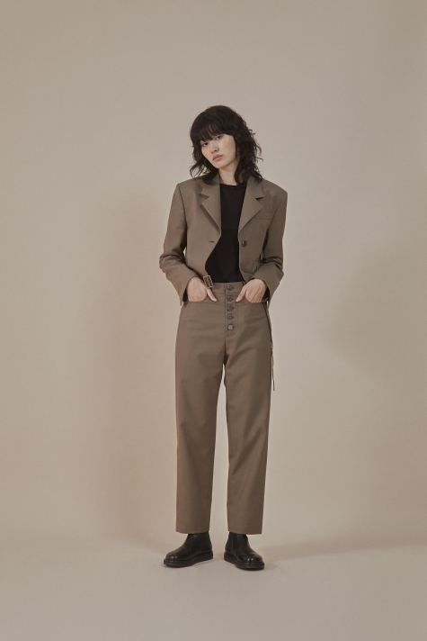 Taupe| buttoned-up closure trousers